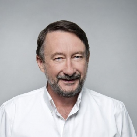 Dr Barry Walker