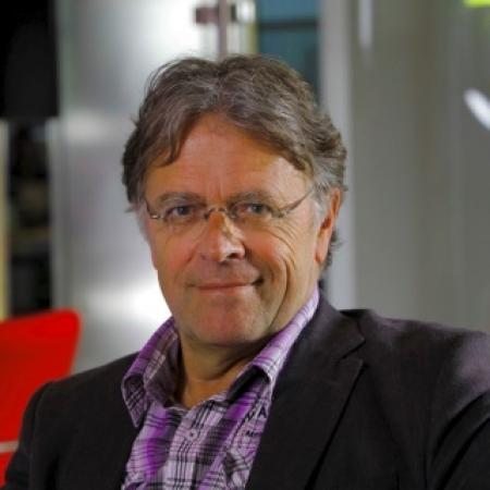 Dr Jan T. Poolman